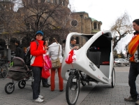 Баба Марта на колело