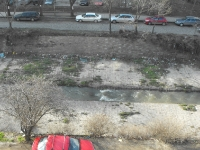 боклуци покрай река