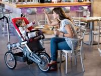 С бебе на велосипед